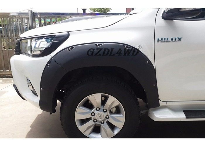 Cina Hilux Revo Body Parts Wheel Arch Fender Trims / 4x4 Fender Flares Untuk Toyota Pickup pabrik